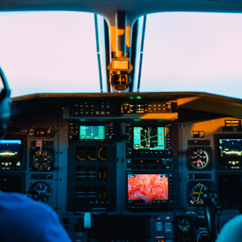 How much do pilots get paid?