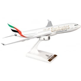 Airbus A330-200 Emirates - Scale 1:200
