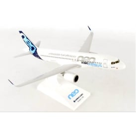 Airbus House Livery A320neo Plastic Model - Scale 1:150