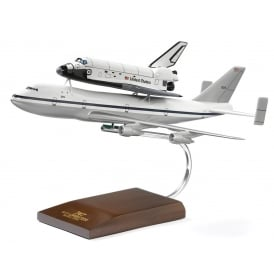 Boeing 747/Space Shuttle Snap Model - Scale 1:200