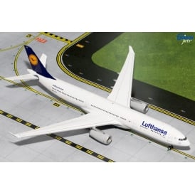 Lufthansa A330-300 Diecast Model - Scale 1:200