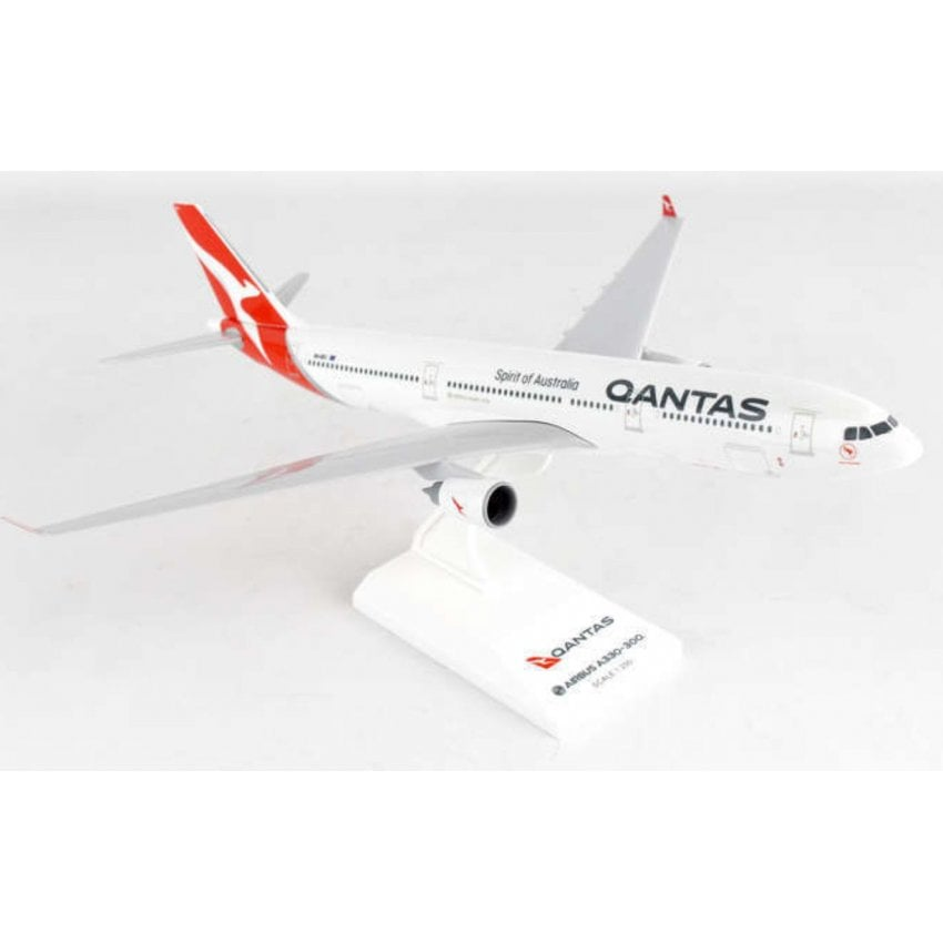 Quantas Airbus A330-300 New Livery Model - Scale 1:200